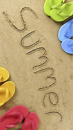 fcabeb991618ce Summer Sand and Slippers iPhone 5 Wallpaper