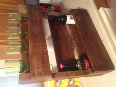 Wine/Glass rack made from pallet.