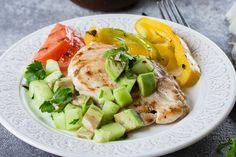 Fűszeres olajban pácolt, serpenyőben sült csirkemell: szaftos és omlós lesz - Recept   Femina