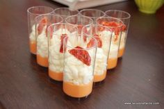Verrine with chorizo mousse and fresh goat cheese whipped cream Party Finger Foods, Snacks Für Party, Antipasto, Shot Glass Appetizers, Fingers Food, Goat Cheese, Cooking Time, Appetizer Recipes, Food Porn