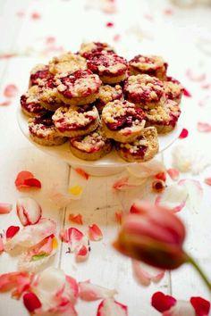 Plaattaart uit eigen keuken met rood fruit foto Mon et Mine