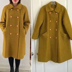 This amazing chartreuse / mustard wool double breasted swing coat boasts a feminine a-line silhouette, bracelet length selves, and a peter-pan color. This coat is made of heavy, quality wool in a vibrant eye-catching color with a diagonal striped pattern. Eight faux wood buttons fasten the coat along the front with two hidden snaps securing the fabric under the collar at the neckline. There are two curved angle pockets at the hips which are fully lined with silky material. Immaculate silky…
