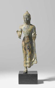 Staande Boeddha, Anonymous, 600 - 800 Standing Buddha Statue, Buddha Statues, Art Thai, Buddha Life, Indonesian Art, Human Art, Sculpture, Image, Collection