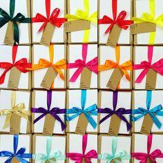 """wondermarket na Instagramie: """"Prezenty lepiej kupić wcześniej ! Zaraz przyjedzie do nas św. Mikołaj po odbiór pakuneczków  #prezentowy #zawrót #mikołajki #lovely #like #love #prezenty #prezent #dla #Ciebie #awesome #wonderful #wondermarket #wonderplanner #święta #świątecznie"""" Gift Wrapping, Bright, Gifts, Instagram, Gift Wrapping Paper, Presents, Wrapping Gifts, Favors, Gift Packaging"""