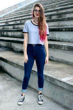 Meninices da Vida: Look: moletom, t-shirt, jeans e tênis.