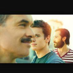 Eu vi a série e realmente muito boa  Vale a pena #Repost @cqagentesassociados with @repostapp. ・・・ Looking foi uma série de comédia dramática que estreou em janeiro de 2014 no canal HBO e conta a história de 3 amigos gays em busca da felicidade: Patrick, Agustín e Dom. Eles vivem em San Francisco, California, e enfrentam juntos os fatos do dia-a-dia. Vale a pena assistir! Leia no nosso blog: caicodequeiroz.wordpress.com #caicodequeiroz #equipecq #cq10anos #looking #movies #video #movie #fi