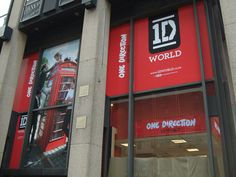 9 Pics Of The Massive One Direction World Store In New York (Now Shut)