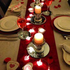 Aprenda a arrumar uma mesa para comemorar o dia dos namorados com um jantar romântico com criatividade sem gastar muito.