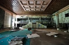 PHOTOS: Inside An Abandoned Luxury Resort In The Catskills
