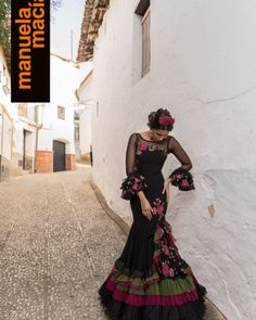 spanish style bars in london Mexican Quinceanera Dresses, Mexican Dresses, Mexican Fashion, Spanish Fashion, Spanish Dress, Spanish Style, Flamenco Wedding, Charro Outfit, Flamenco Costume