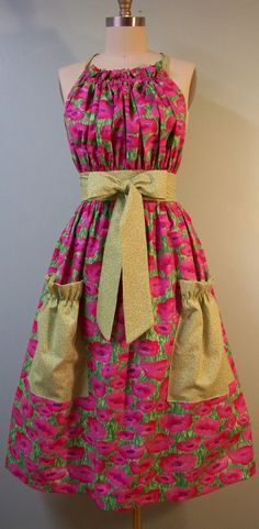 if the main pattern was just a sparkley red this would be soooo cute for christmas