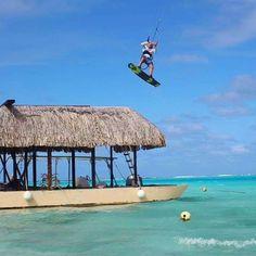 From takoonfamilyEt hop ! @antoinefermonkite who's jump over the top of th boat 😬⛵️ #kite #frenchpolynesia #takoon #lagoon #kitebro #lifeisbetterwithakitekite,kitebro,lagoon,frenchpolynesia,lifeisbetterwithakite,takoon