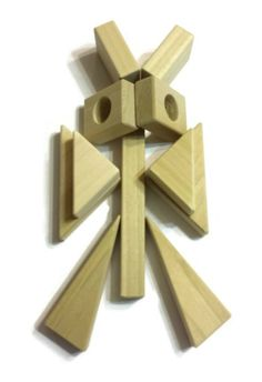 Springtime activity for kids! Build butterflies from wooden building blocks. Several ideas for your kids to follow. See them all at http://backtoblocks.com/blog/backtoblocks_blog_butterflies/