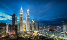 Get detailed information on Malaysia tourist destinations & nearby sightseeing attractions. Here is a list of 20 Best Tourist places to visit in Malaysia. Kuala Lumpur, World Cities, Best Cities, Background For Photography, Night Photography, Summer Photography, Malaysia Tourist Places, Penang Island, Petronas Towers