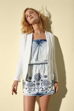 White blazer for women. Discover Desigual Spring/Summer collection!