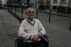 « Les Marolles, c'est comme une famille ». Pour Antonio, d'origine portugaise, ce quartier qui l'a accueilli représente toute sa vie. « J'y ai rencontré ma femme, une belge ! » @Charlotte G.