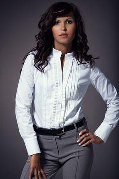 Koszula z eleganckimi zakładkami - biały