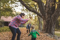 About Time Photography Family Hiking Photo Session - Moose Hill Wildlife Sanctuary in Sharon, MA | Family Lifestyle, Real Moments Captured