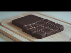 Drømmeagtig daddelchokolade (video)   Grøn, Sund & Lækker!
