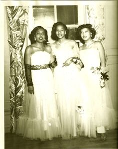Mom, center and her sister on way to the Savoy, 1950