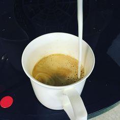 #coffee #breakfastofchampions #filling #cavemandiet #caveman #paleofriendly #paleo #paleodiet #paleofood #paleochallenge #paleobreakfast #healthy #healthychoices #keto #ketosis #ketogenic #ketobreakfast #glutenfree #lowcarb #nocarbs #eatclean #protein #lchf #lchfbreakfast #hashtagpaleo #weightloss #weightlossjourney #lowcarbhighfat by low_carb_wookie