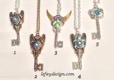 Angels of the Sea  geflügelter Schlüssel von leFayDesign auf Etsy