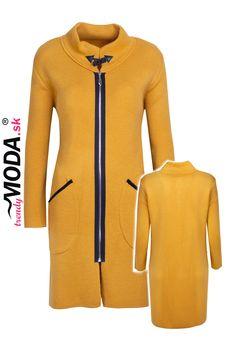 Športovo-elegantný pletený dámsky sveter so stojačikom a praktickým zapínaním na zips v trendy žltej farbe. Trendy, Modeling, Jar, Sweaters, Fashion, Moda, Modeling Photography, Fashion Styles, Sweater
