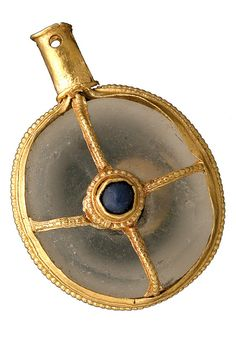 The Warminster Jewel, a Gold Frame Rock Crystal & Blue Glass Anglo Saxon Aestel or Manuscript Pointer that dates to the time of Alfred the Great century found in a Field near Cley Hill, Warminster Medieval Jewelry, Viking Jewelry, Ancient Jewelry, Old Jewelry, Antique Jewelry, Wiccan Jewelry, Antique Gold, Alfred The Great, Germanic Tribes