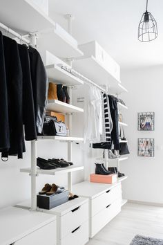 walk in closet - dressing room - IKEA - Stolmen - Ankleidezimmer - industrial lamp - Zara - minimalista - Minimalismus - Kleiderschrank - Wardrobe - Closet - interior - fashion blogger life - closet goals - cloth rack - Begehbarer Kleiderschrank - Chloé - Céline - minimal style - fashion - Inspiration - Cos - Louis Vuitton Twist Bag - Gucci Princetown Slipper