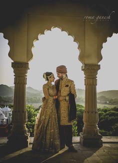 Couple in love!   Zowed #zowed #idnianwedding #inidanbride #indiancouple #coupleshoot #weddingshoot #couplephotography #couplelove