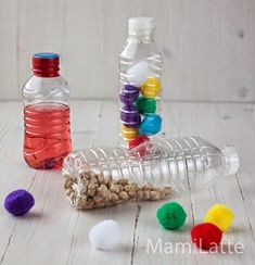 Juguetes caseros para bebés de más de 6 meses: botellas sensoriales | MamiLatte Baby Sensory Play, Sensory Activities Toddlers, Infant Activities, Diy For Kids, Crafts For Kids, Homemade Baby Toys, Baby Faces, Toddler Play, Baby Milestones
