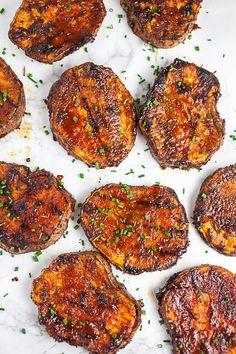 BBQ Sweet Potatoes Sweet Potato Bbq, Sweet Potato Crackers, Grilled Sweet Potatoes, Sweet Potato Breakfast, Sweet Potato Recipes, Sweet Potato Grill Recipe, Bbq Potatoes, Easy Delicious Recipes, Yummy Food