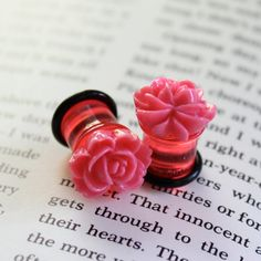 Plugs for Stretched Ears 4g 2g 0g 00g Vintage Cabochons Hot Pink Roses Custom 4 2 0 00 Gauges
