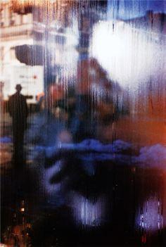 Saul Leiter 1959 .. effet opacité transparence .. vue dissimulée