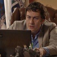 Luís Fernando rouba vídeo íntimo de Aderbal com Inês