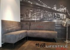 Wandbank-op-maat-model-mondiaal-hoek-opstelling Dining Bench, Couch, Lifestyle, Furniture, Model, Collection, Home Decor, Homemade Home Decor, Sofa