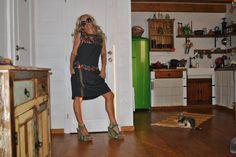 Mamatayoe Piorno šaty čierna M :: DRESS TO IMPRESS