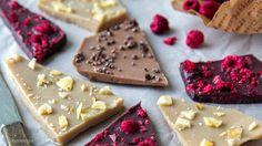 raakasuklaa Candy, Cookies, Chocolate, Baking, Desserts, Food, Sweet, Biscuits, Deserts