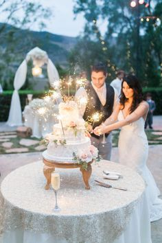 Glam sparkling wedding cake: http://www.stylemepretty.com/california-weddings/camarillo/2016/04/07/this-is-what-a-year-and-a-half-of-wedding-planning-looks-like/ | Photography: Maria Lamb - http://marialamb.co/