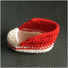 Crochet For Babies Converse Sneaker Styled – Crochet Baby Booties Crochet Baby Boots, Booties Crochet, Crochet For Boys, Crochet Slippers, Baby Booties, Baby Sandals, Hat Crochet, Converse En Crochet, Crochet Baby Blanket Beginner