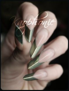 CHIC NAILS | metallic| pointed | twist on a french | modern | watch out