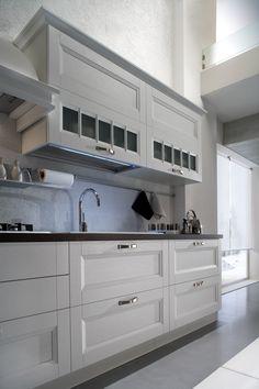 una visione sui dettagli della cucina TALAMONE in frassino bianco
