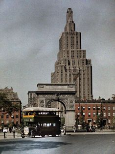 How early 20th century America played and worked, in color