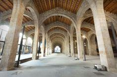 Les Drassanes Reials de Barcelona són un edifici militar d'estil gòtic emplaçat a la façana marítima de Barcelona. Es varen començar a bastir al final del segle XIII durant el regnat de Pere el Gran