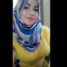 Image may contain: 1 person Beautiful Muslim Women, Beautiful Hijab, Muslim Women Fashion, Womens Fashion, Hijab Turkish, Foto Instagram, Instagram Posts, Muslim Beauty, Hijab Tutorial
