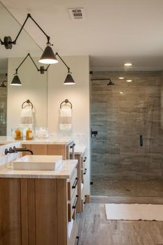 Hgtv Fixer Upper Bathroom Awesome top 10 Fixer Upper Bathrooms Daily Dose Of Style Joanna Gaines, Modern Master Bathroom, Master Shower, Neutral Bathroom, Master Bedroom, Bath Shower, Shower Floor, Bathroom Colors, Ranch Remodel