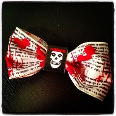 Tutorial: DIY Hair Bow ~ DIY Craft Riot. This is the best way I've seen so far that doesn't use glue or sewing!