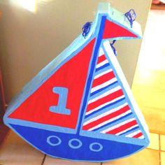 piñata en forma de barco