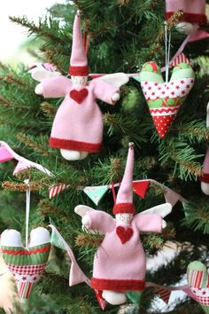 cute idea for Christmas ornaments