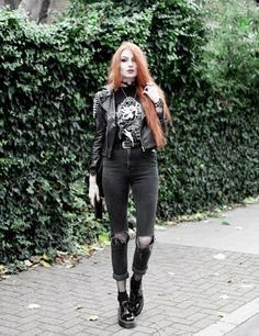 Black Mirror Princess by Olivia Emily Punk Outfits, Grunge Outfits, Fashion Outfits, Rockabilly Fashion, Punk Fashion, Gothic Fashion, Girl Fashion, Alternative Outfits, Alternative Fashion